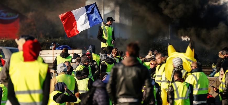 Macron göstericileri memnun edemedi