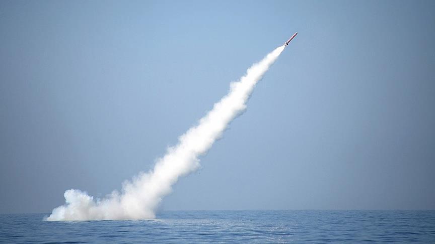 Pakistan ilk kez denizaltıdan füze denemesi yaptı