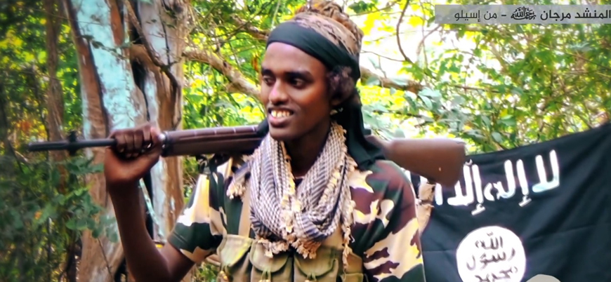 Eş Şebab Somali'de bir bölgeyi ele geçirdi