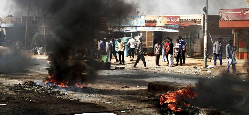 Sudan'da gösteriler büyümeye devam ediyor: En az 9 ölü