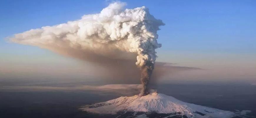 Avrupa'nın en büyük aktif yanardağı Etna faaliyete geçti