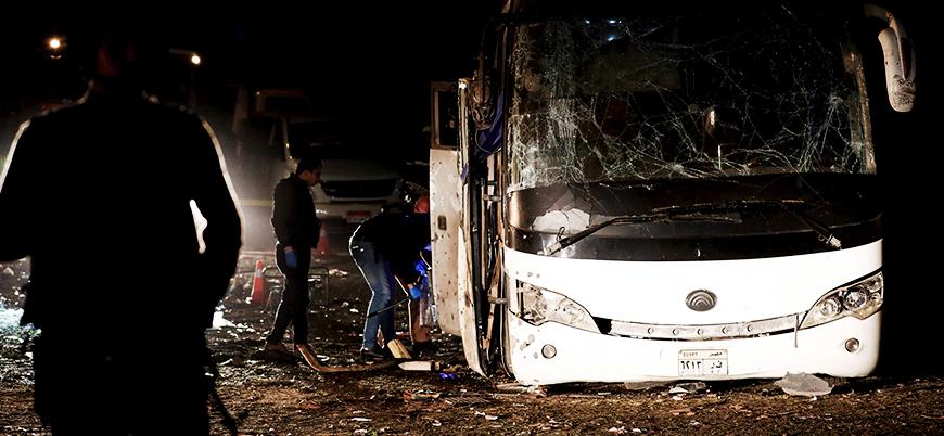 Mısır'da turist otobüsüne bombalı saldırı: En az 2 ölü