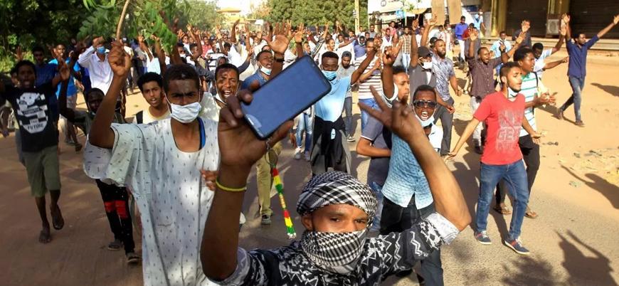 Sudan'da sosyal medyaya erişim engellendi