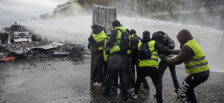 Sarı Yelekliler eylemlerinde rekor sayıda tutuklama