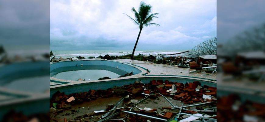 Tayland son 30 yılın en şiddetli fırtınasına sahne oldu