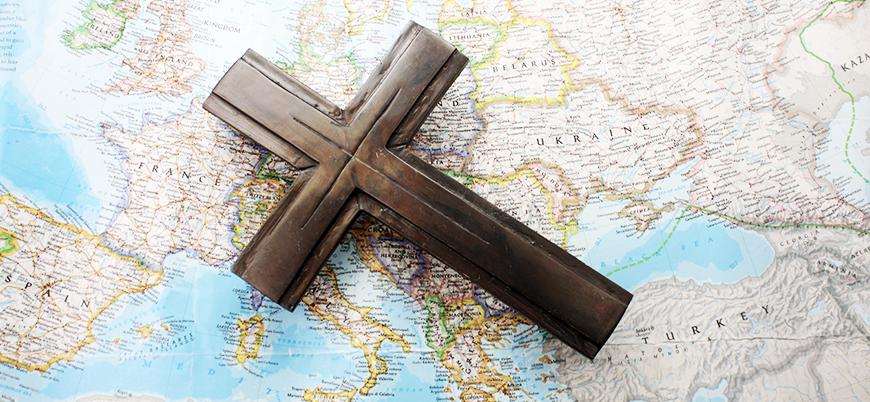 """""""Batı Avrupa'nın üçte biri dine inanmıyor"""""""