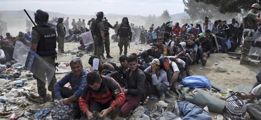 Merkel: Türkiye'ye iade edilen mültecileri artırmalıyız