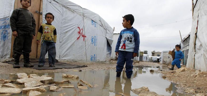 Lübnan'daki kamplarda yaşayan 70 bin Suriyeli mültecinin hayatları ağır hava koşulları nedeniyle tehlikede