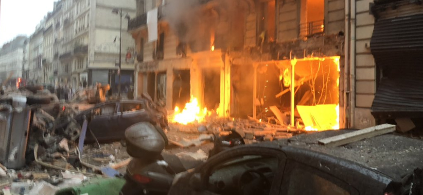Paris'te patlama: 2 ölü