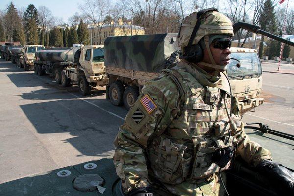 NATO, ABD'nin yaptığı büyük askeri sevkiyatı savundu