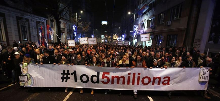 Sırbistan'da 6'ıncı haftasına giren protestolarda Vucic meydan okudu