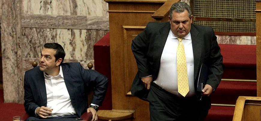 Yunanistan'da koalisyon hükümeti 'Makedonya gerekçesiyle' sona eriyor