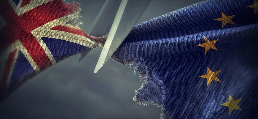 İngiltere'de parlamento Brexit anlaşmasını reddetti