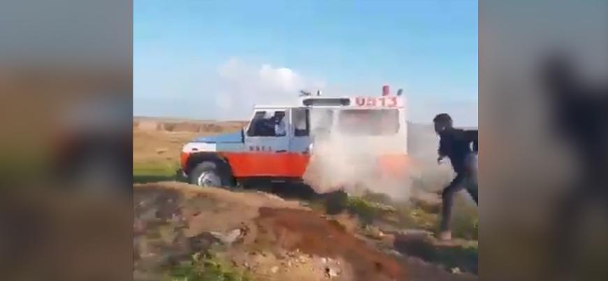 İsrail yaralı Filistinlileri taşıyan ambulansa gaz bombasıyla saldırdı