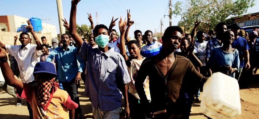 """Sudan muhalefetinden gösterilere destek: """"Geçiş hükümeti kurulsun"""""""