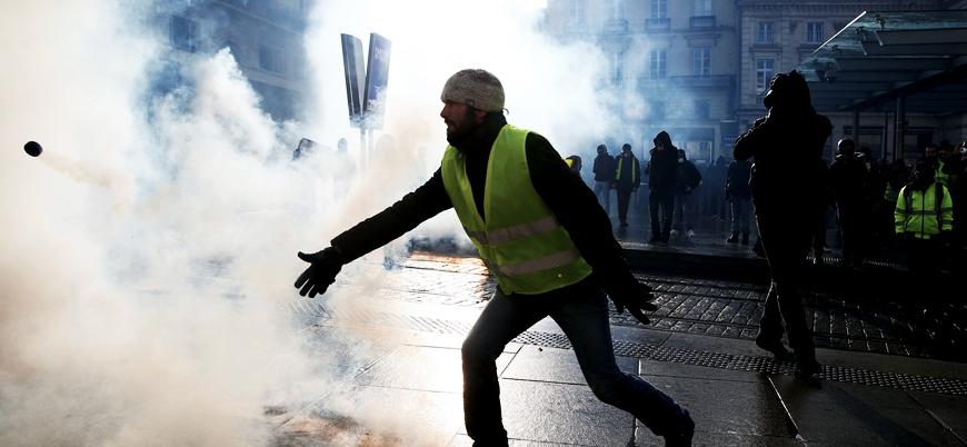 Fransa'da Sarı Yelekliler'e karşı Kırmızı Fularlılar sokağa çıkacak