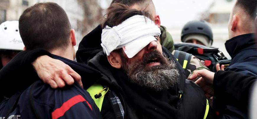 Fransa'da Sarı Yelekliler lideri gözünden vuruldu