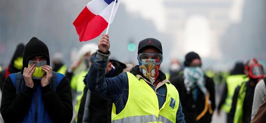 Fransa'da Sarı Yelekliler'e karşı ortaya çıktılar: Kim bu Kırmızı Fularlılar?