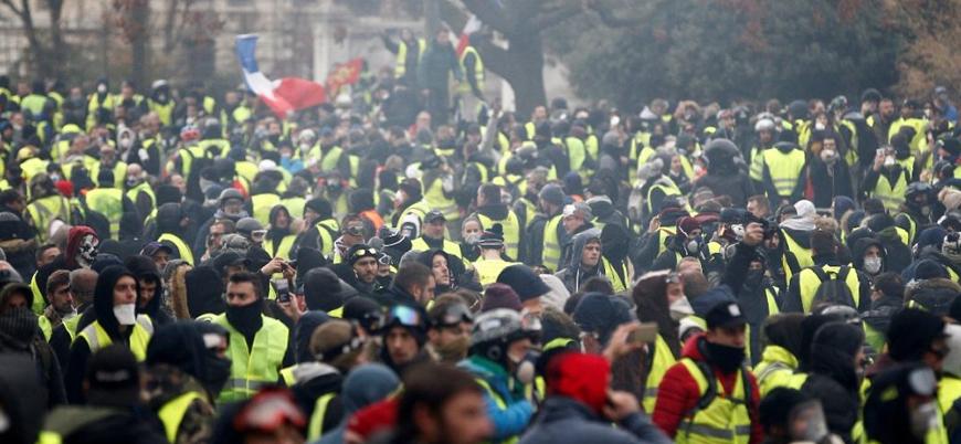 Sarı Yelekliler gösterileri 12'nci haftasında da devam etti
