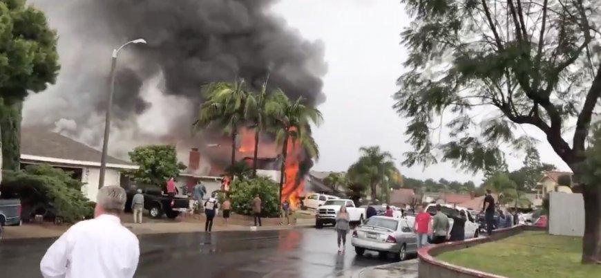 ABD'nin California eyaletinde uçak evin üzerine düştü: 5 ölü