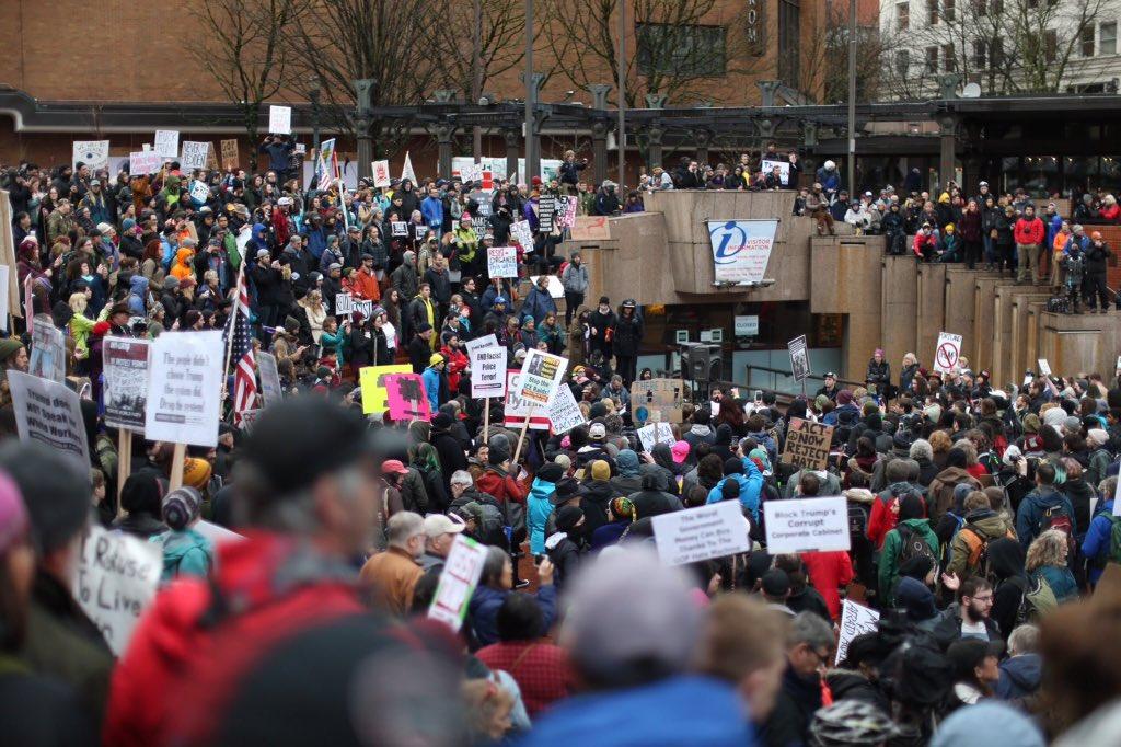 Trump karşıtı gösterilere sert müdahale