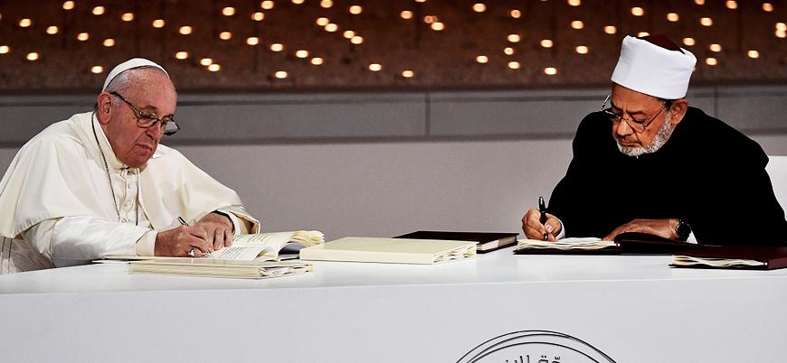 Papa ile Ezher şeyhi bir araya geldi: 'Dini aşırılığa karşı' ortak belge imzalandı