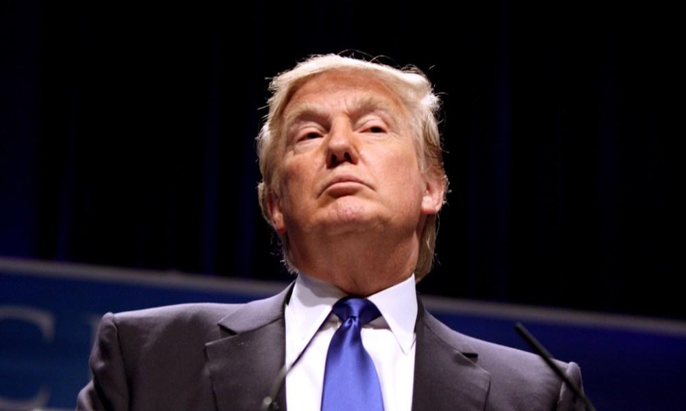Trump'tan ilk icraati Obamacare'in iptali oldu