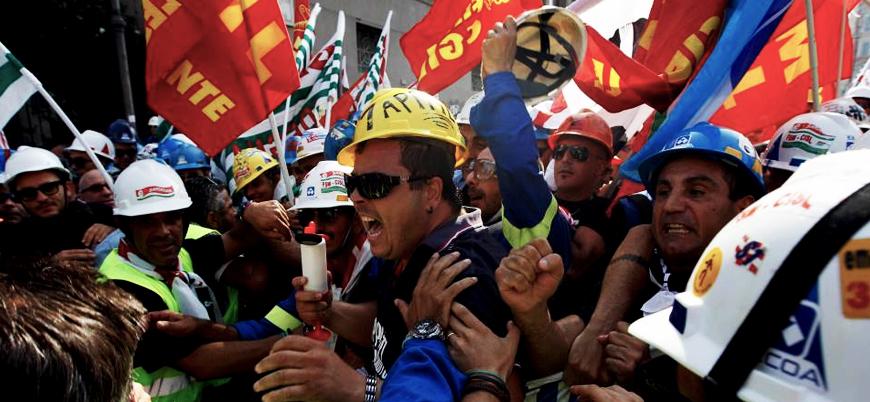 İtalya'da hükümete karşı 200 bin kişilik protesto