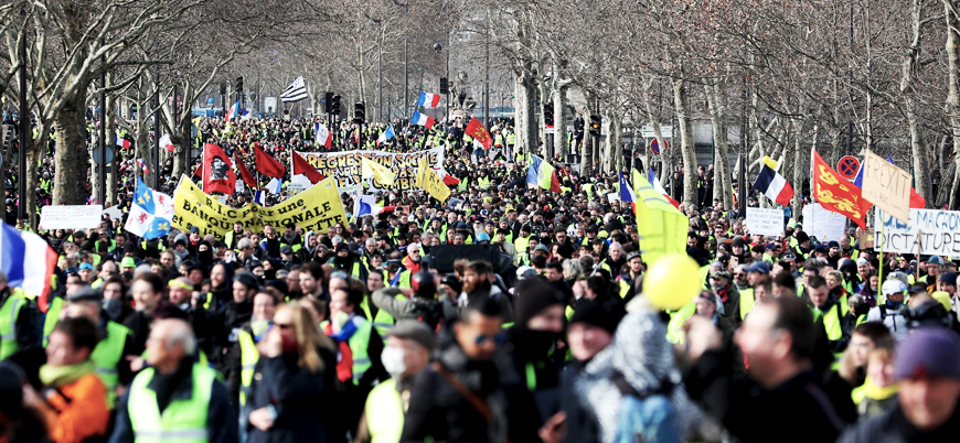 Fransa'da devam eden 'Sarı Yelekliler' gösterilerinde bir göstericinin kolu koptu