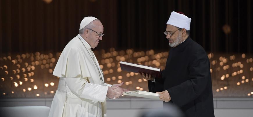 Papa'nın Ezher şeyhi ile imzaladığı Kardeşlik Belgesi'ne Katoliklerden itiraz