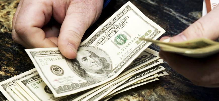 Dolar kuru haftaya yatay seyirle başladı