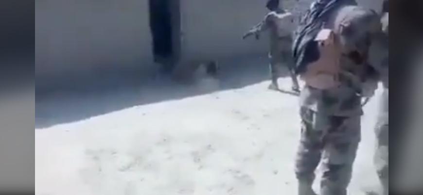 Pakistan askerleri Beluç sivili kamera önünde öldürdü