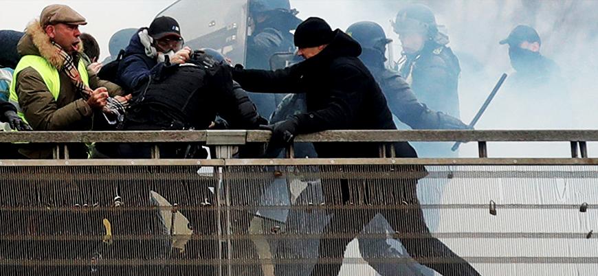 Fransa'da polise yumruk atan Sarı Yelekli boksöre bir yıl hapis