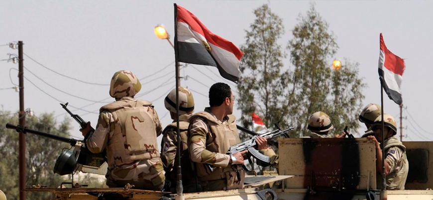 Mısır ordusuyla silahlı gruplar arasında Sina'nın kuzeyinde çatışma: 15'i asker 22 ölü