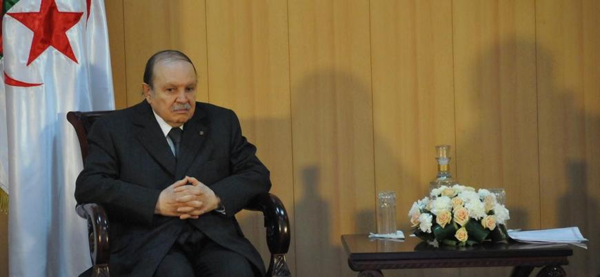Cezayir'de beşinci kez aday olan Buteflika'ya tepkiler artıyor
