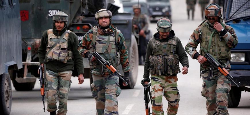 Hint askerleri Keşmir hattında sivillere ateş açtı: 2 ölü