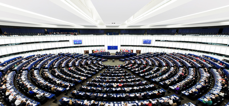 Avrupa Parlamentosu'nda milliyetçiler ve liberaller yükselişte