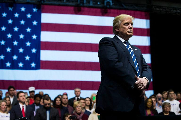 Trump, 400'den fazla işletmeden istifa etti