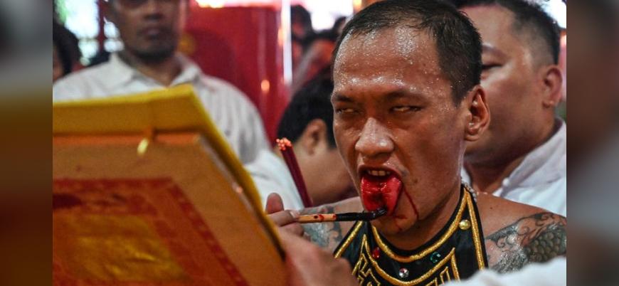 Endonezya'da Çin asıllı Şamanlar Cap Go Meh'i kutladı