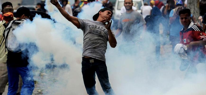 Venezuela ordusundan sınırdaki göstericilere müdahale
