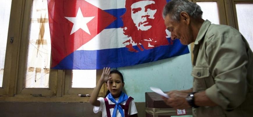 Küba'da halk anayasal değişiklik için sandığa gidiyor
