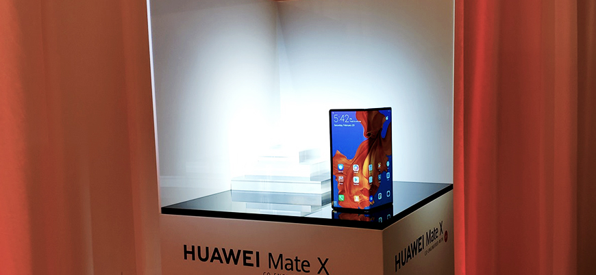 Samsung'un ardından Huawei de katlanabilir telefonunu tanıttı