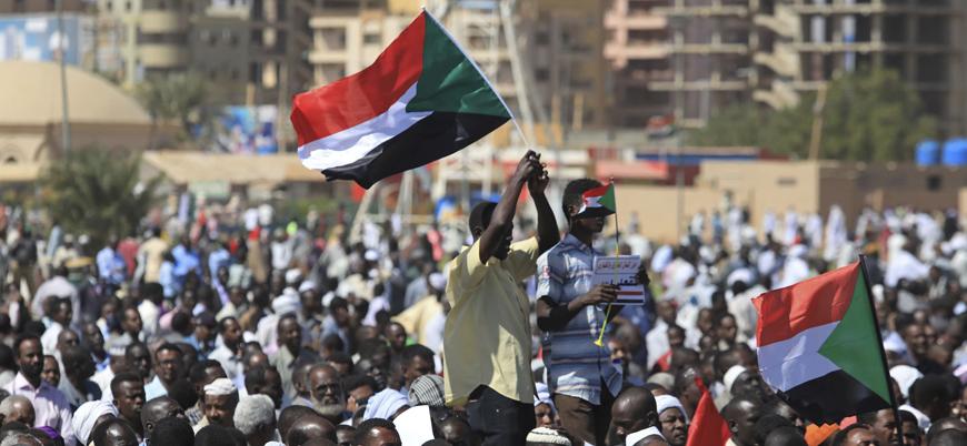Sudan'da OHAL ilanına rağmen protesto gösterileri devam ediyor