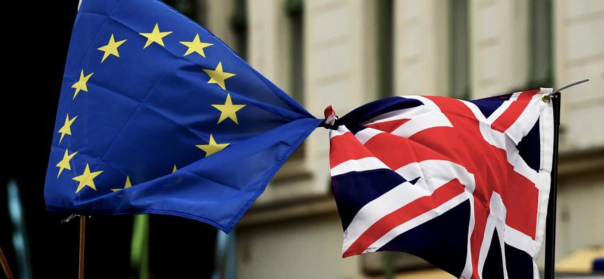 İngiltere Başbakanı May'den yeni hamle: Brexit ertelenebilir