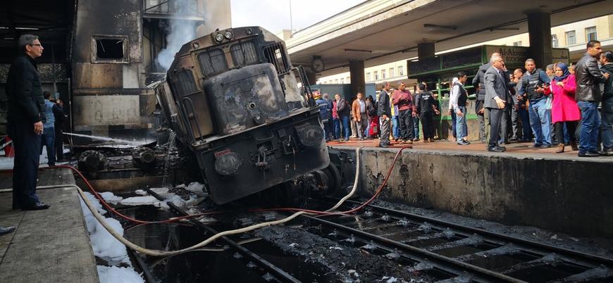 Mısır'da tren istasyonunda yangın: En az 20 ölü