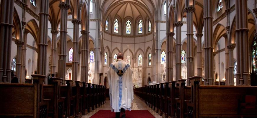 Cinsel istismar vakaları sonrası katoliklerin yarısı kiliseden ayrılmayı düşünüyor