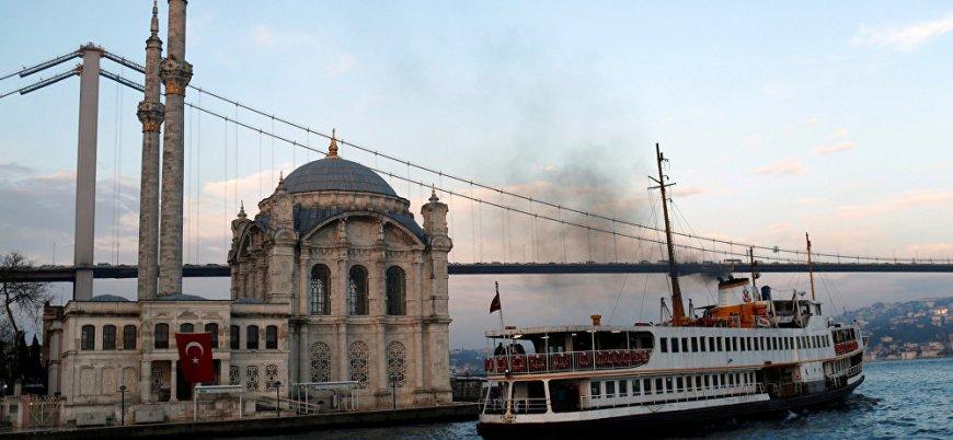 Times: Türkiye turistleri 'Erdoğan'ı eleştirirseniz, sizi gözaltına alacağız' diyerek uyarıyor
