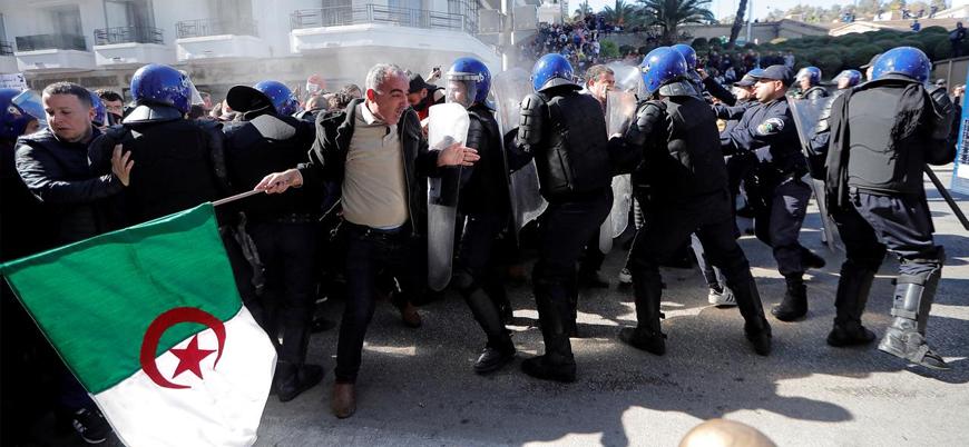 Cezayir'de Buteflika protestoları: Tren ve metro seferleri durduruldu
