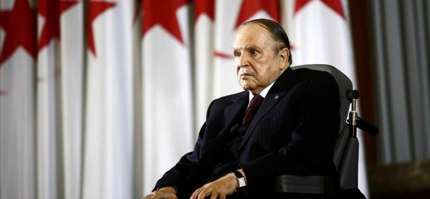 Cezayir'de protestolar sonuç veriyor: Buteflika'dan 'görevi bırakma' açıklaması