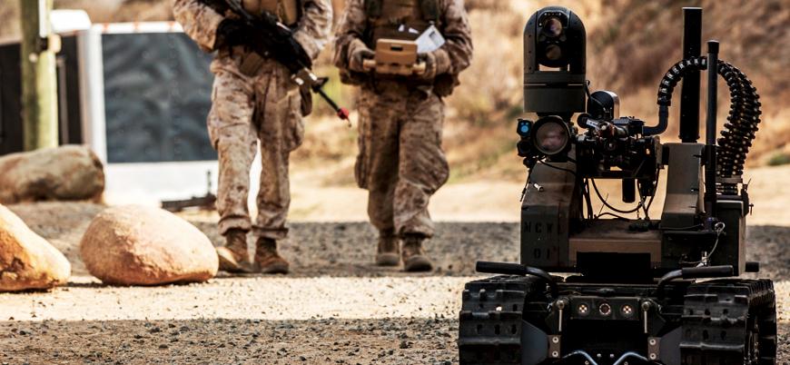 ABD: Silahlı robotların ateş etme kararı insanlarda olacak